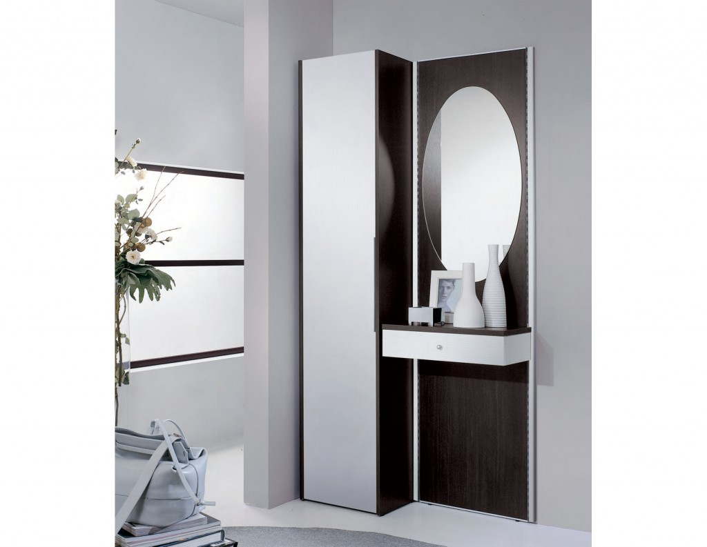 Cappottiere per ingresso idee per interni e mobili for Mobili per interni